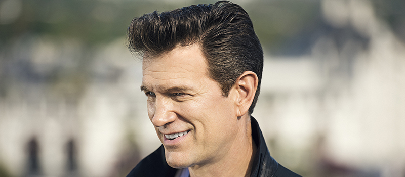 Chris Isaak: Holiday Tour 2017 - CANCELLED