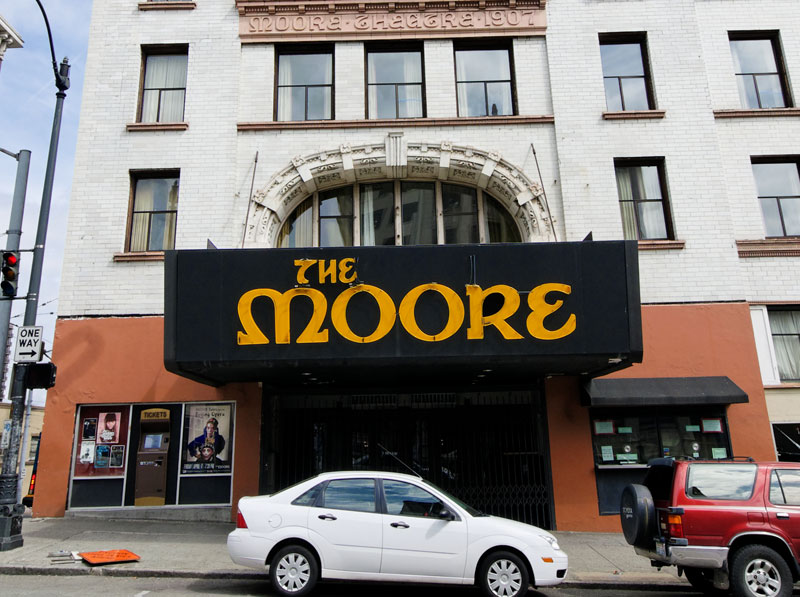 Free Moore Tour